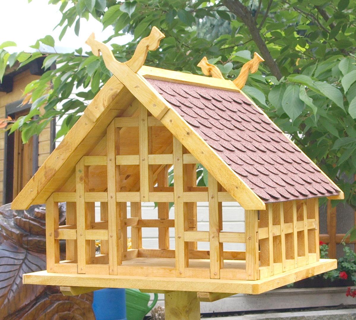 xxl spreewald fachwerk vogelhaus mit schlangenk pfen an den giebelspitzen und rotem schindeldach. Black Bedroom Furniture Sets. Home Design Ideas