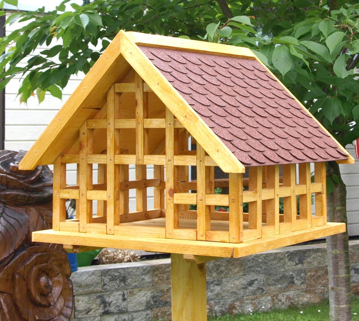 xxl fachwerk vogelhaus mit roten bitumenschindeln karl hufeld ihr vogelhaus. Black Bedroom Furniture Sets. Home Design Ideas