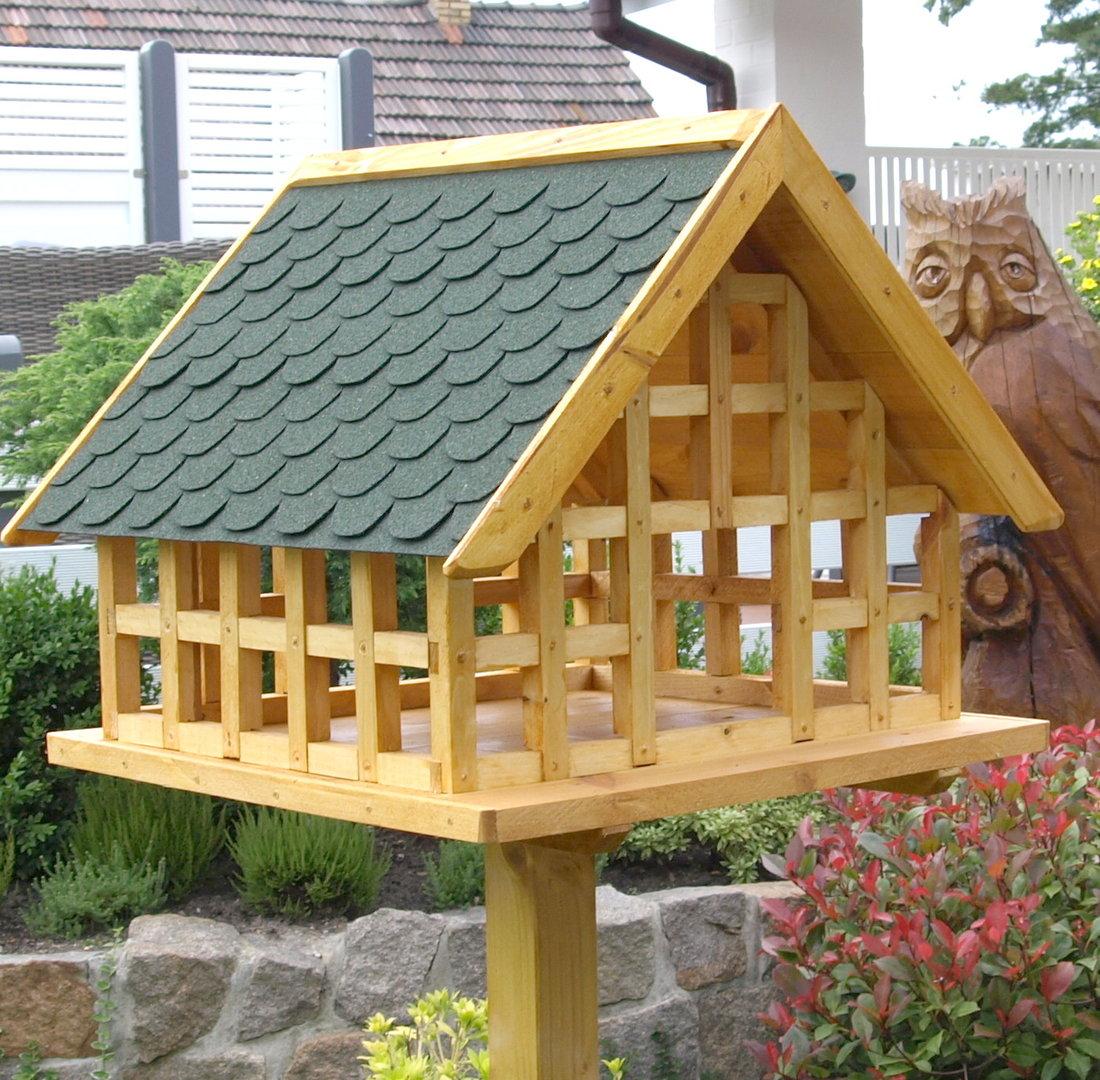 xxl fachwerk vogelhaus mit gr nen bitumenschindeln karl hufeld ihr vogelhaus. Black Bedroom Furniture Sets. Home Design Ideas